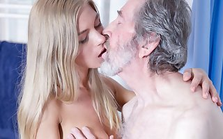 Old Man Fucked Young Blonde Teen Blowjob Doggystyle increased by Cums