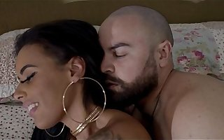Não Quero Dormir Com o Pau Na Mão - MC Maromba (Não Faz Essa Cara) Video Clipe