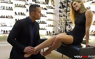 YOUMIXPORN Interactive - Alexis Lorgnon fucks for free shoes and gets cum on her feet