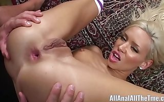 Petite Teen Kacey Jordan Gets Pain in the neck Fucked Be incumbent on First Time!