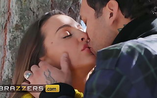 Stunning Virgo intacta Mac Has Her Pussy Pounded In A difficulty Forest