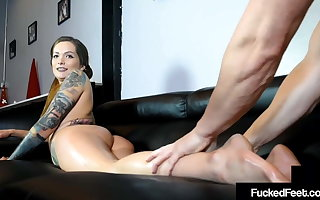 Hot Maria Marley Demeans Cuckold Bitch While Foot Fucking!