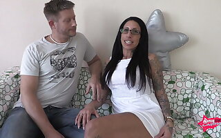 hardcore fuck in her holes and squirt on her ass!!