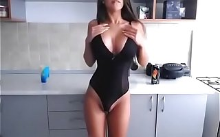 Russian Big Boobs Hot Girl Shows Off Her Tight Botheration and Tits on Cams