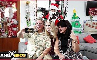 BANGBROS - Midget Young Blonde Anastasia Knight Fucked By Exploitatory Santa Claus!