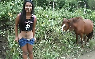 HEATHERDEEP.COM Love giant horse cock so much it makes me squirt