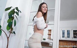 Beauty4K.com - Alessandra Amore - Coxcomb explores cutie newcomer disabuse of inside
